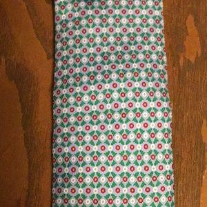 Vineyard Vines Christmas men's tie